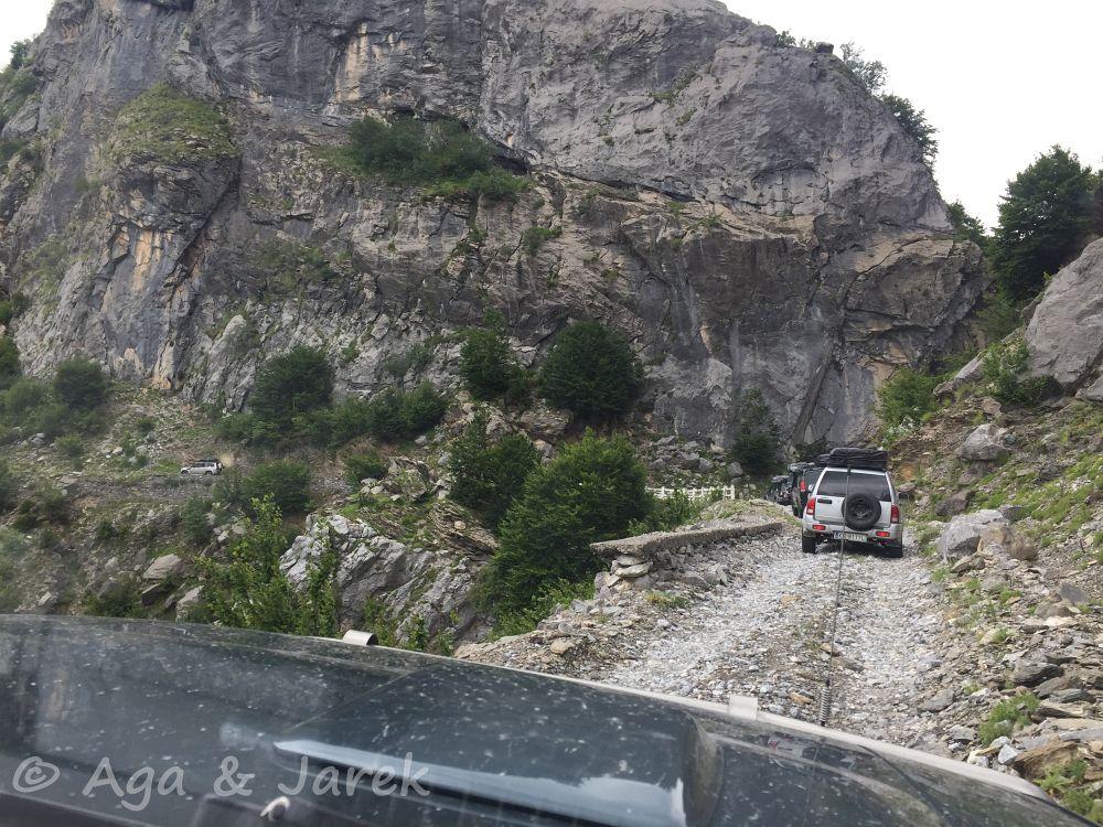 droga w zboczu góry