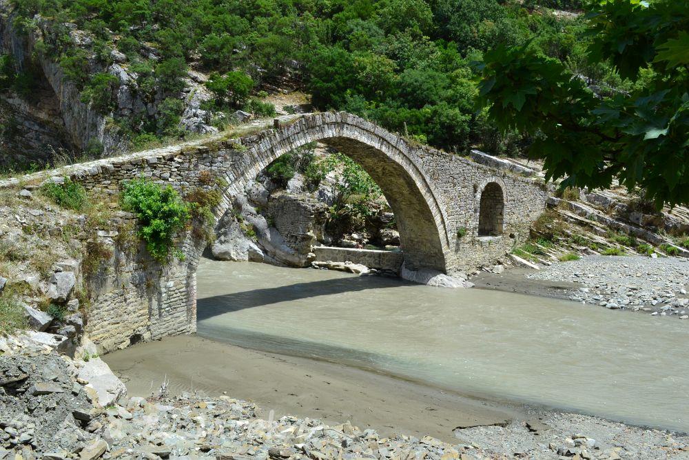 most sędziego permet