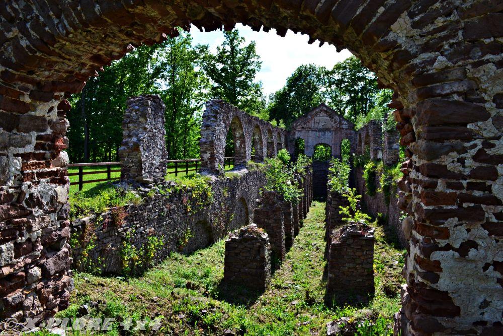 ruiny huty w bobrzy